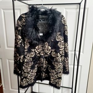 V-neck Faux fur sweater/Cardigan